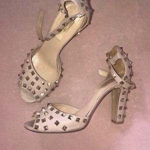 Valentino Rockstud heels!